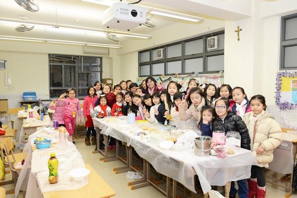 2013年12月19日中、小學部聖誕聯歡表演、頒獎及比賽
